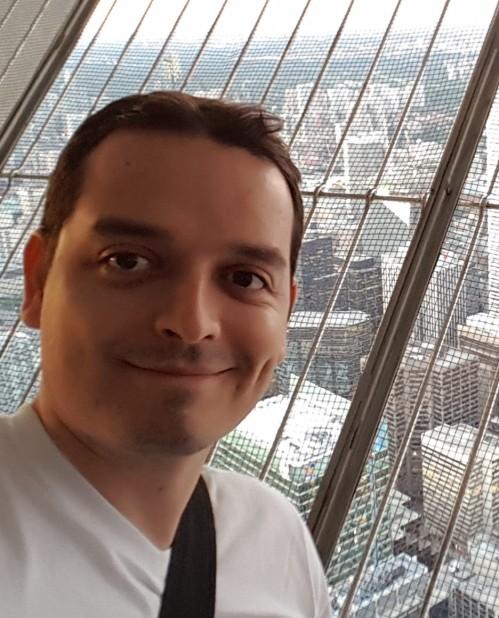 Sebastián Osorio - Gestor de emprendimiento - Experto en Modelos de Negocio – Emprendedor - Co-Founder de Nodo, Disfruta.la, Expreso - CEO Laneros.com